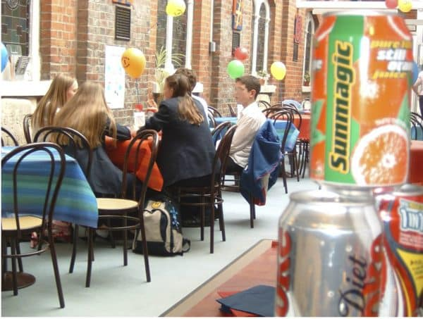 Youth Cafe Needs Volunteers for 2½ Hours Per Week